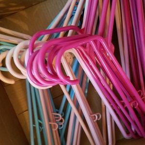 Lot of 21 plastic hangers